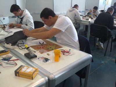 Училищен, регионален и национален кръг на националното състезание по приложна електроника Мога и зная как 2012г.   - Изображение 7